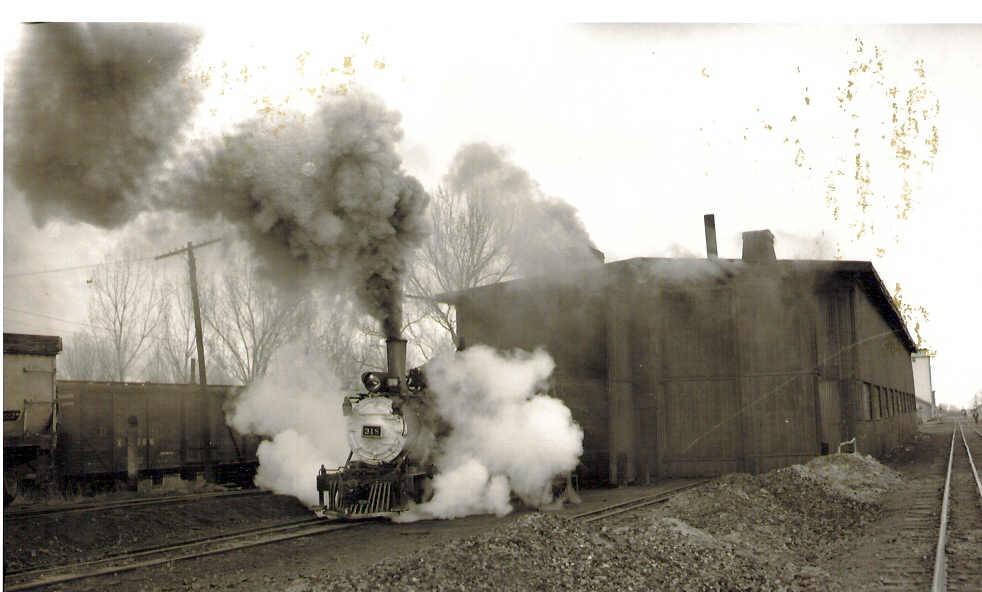 318 at Montrose, 1953.jpg