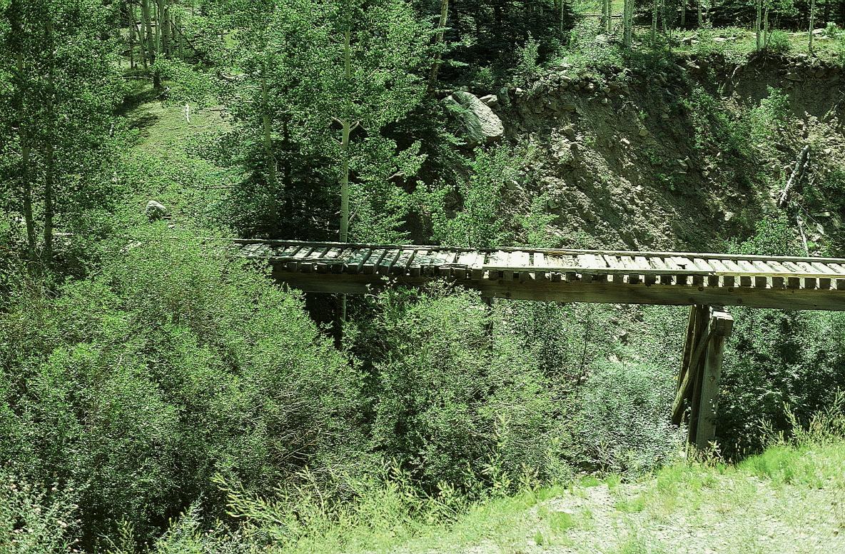 trestle s of DD 20000resize.JPG