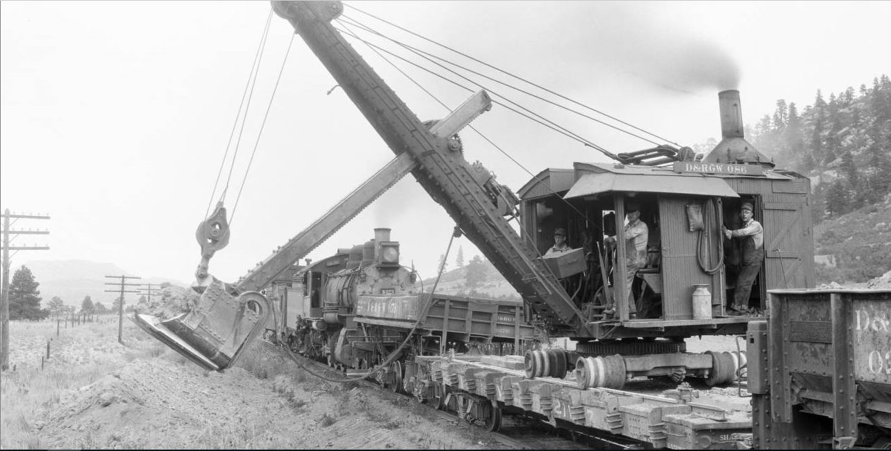 1023 and dragline.JPG