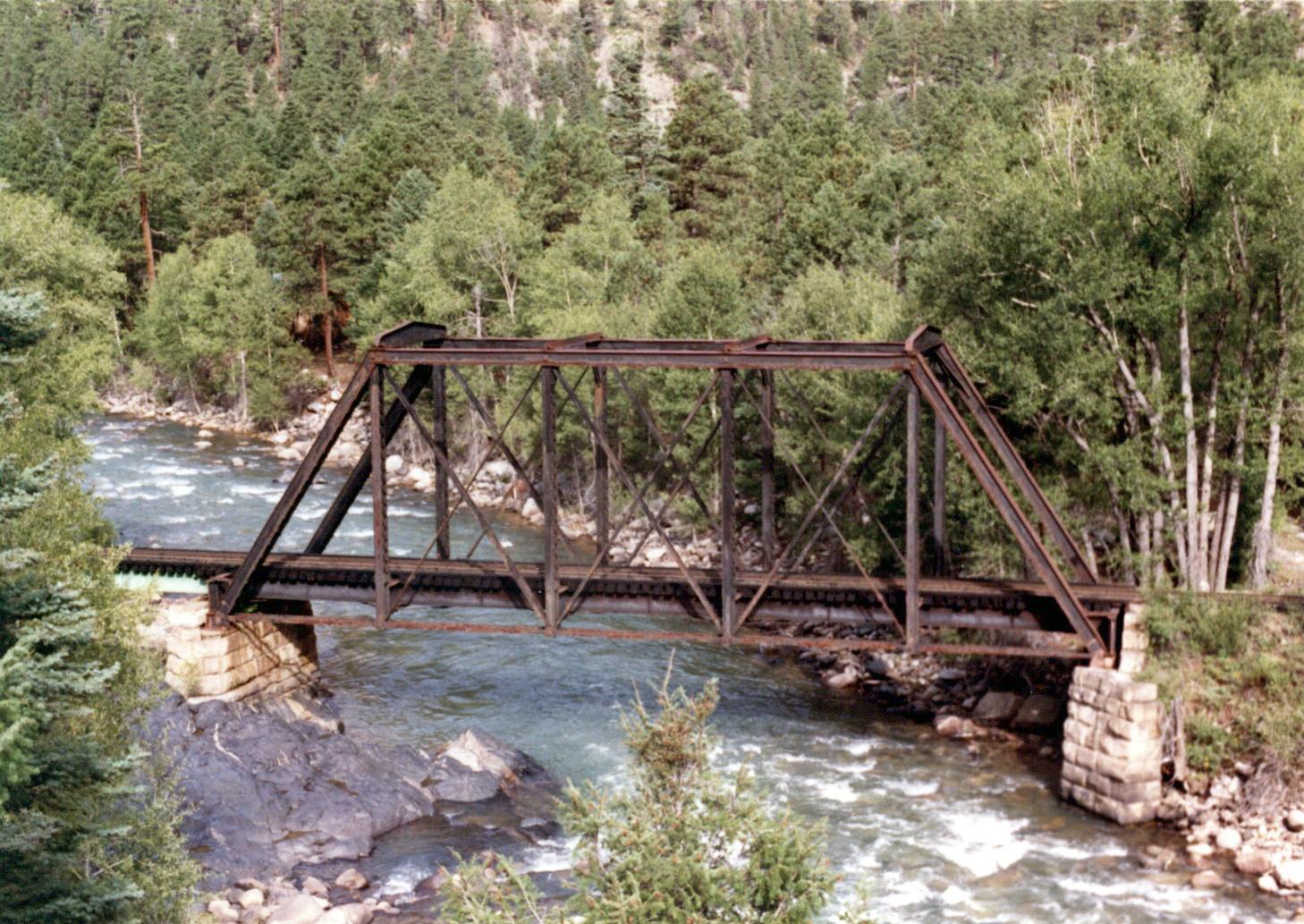 Cascade E side.jpg