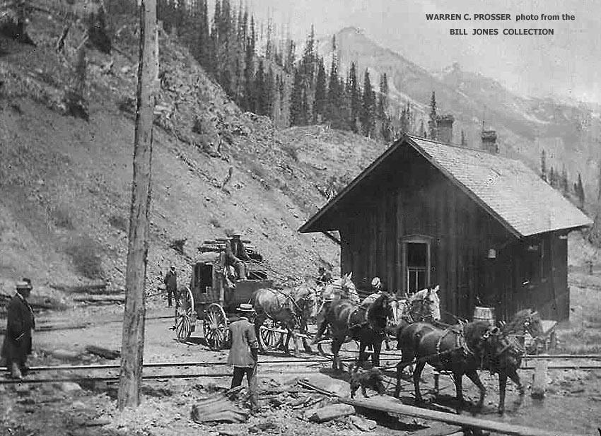 Stage depart 850c Red Mtn Depot c 1904 Prosser.jpg