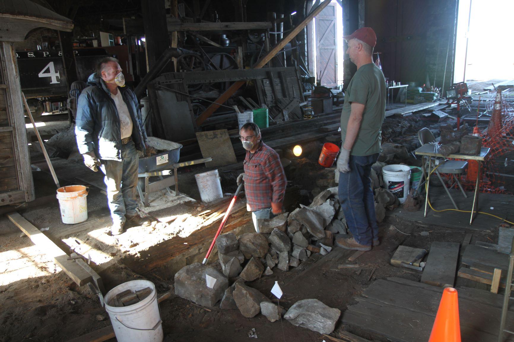 excavating crew.JPG