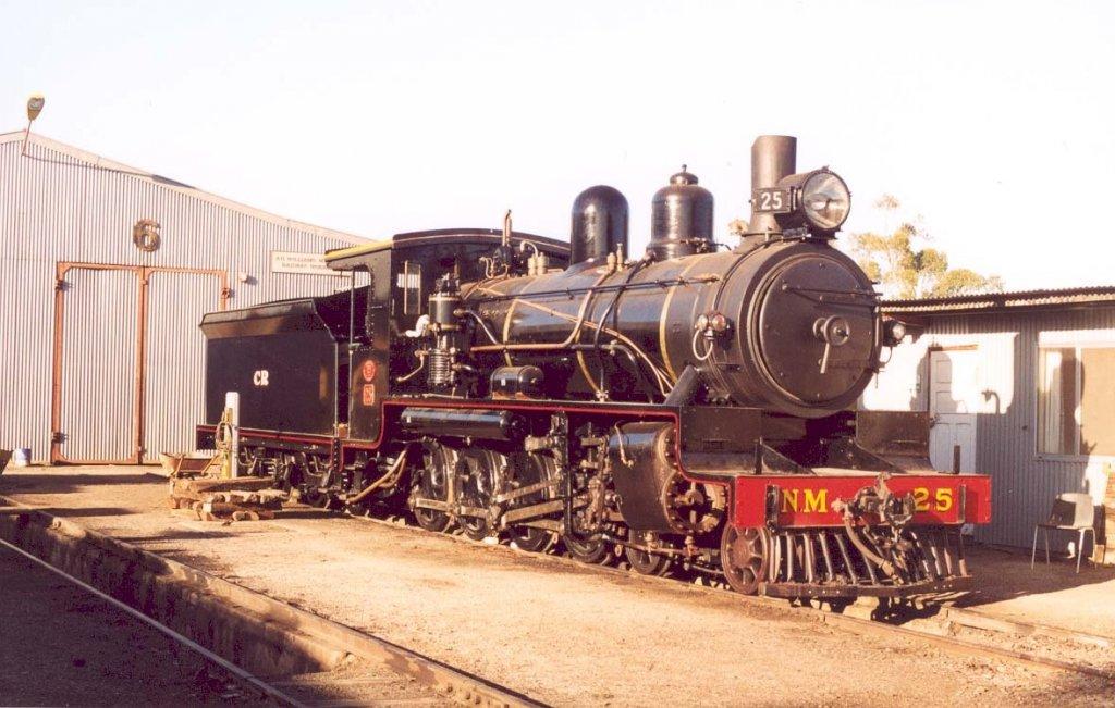 phoca_thumb_l_NM25 Quorn loco.jpg