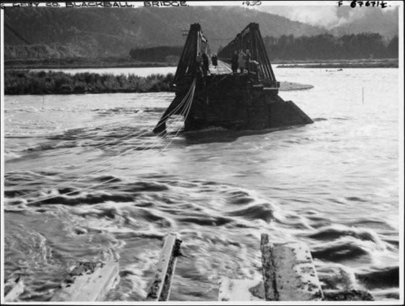 Blackball_Grey_River_Bridge_washout.JPG