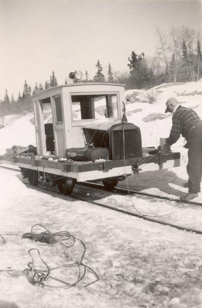 WP&YR Ford Tram-1.jpg