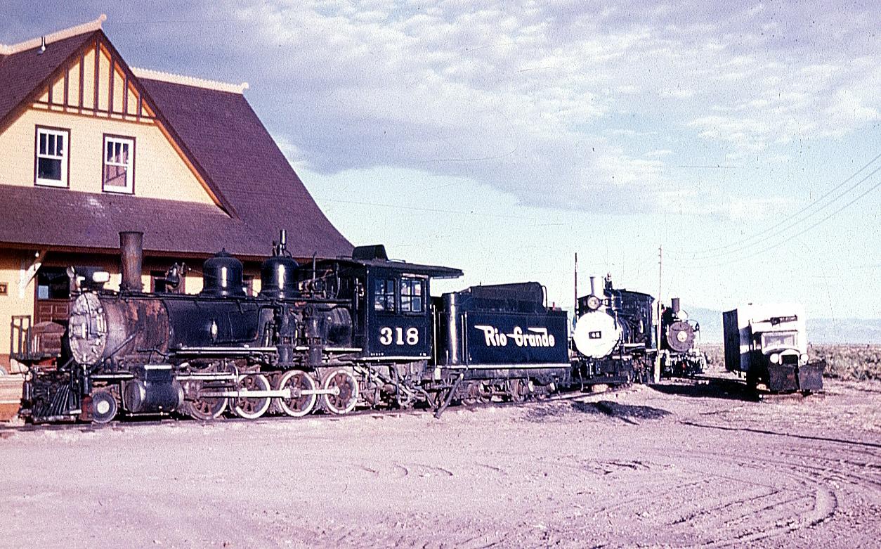 318 at South Alamosa.jpg