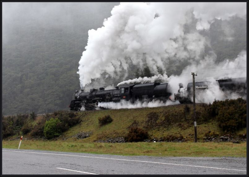 Mainline Steam's Ja1240 hauling a train into Arthurs Pass.JPG