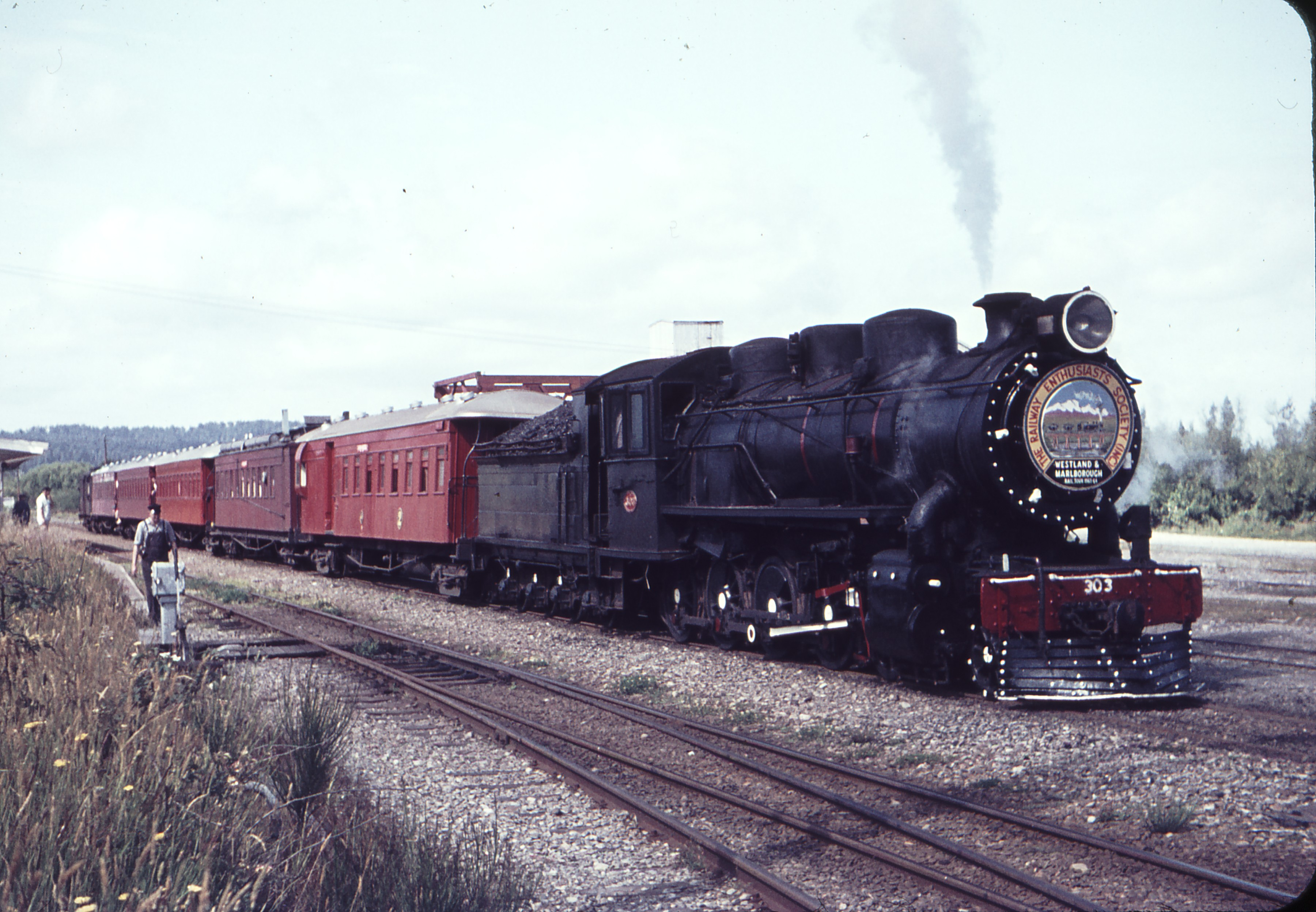 103558_B303_Ngahere_1963_Weston_Langford_Photo.jpg