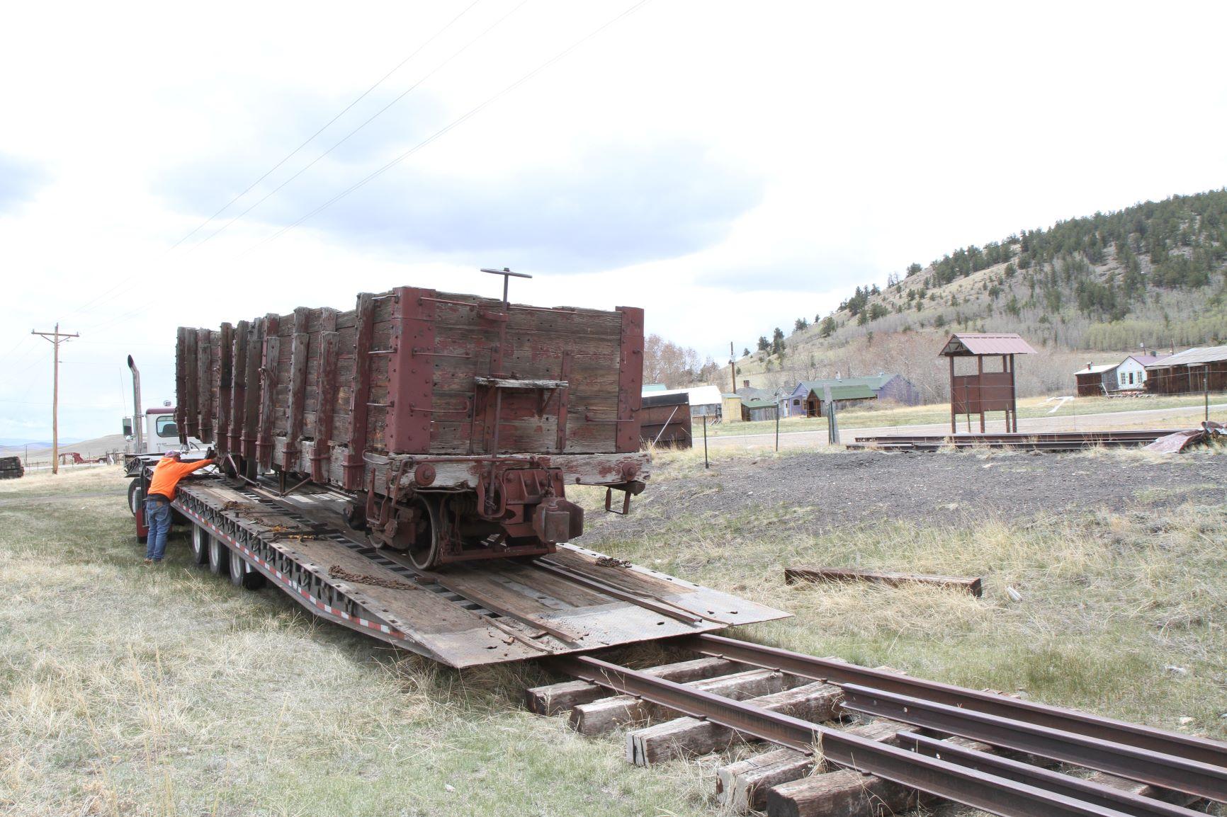 1646 onto trailer.JPG