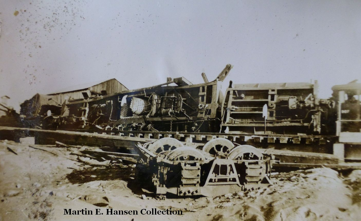 ColumbiaConst.#1204.BoilerExplosion.Ilwaco.14.small.jpg