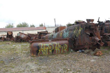 Rio Gallagos dumped locos_0212.jpg