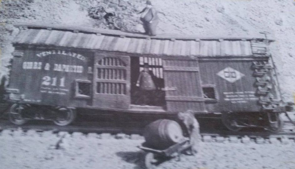 Gorre & Daphetid sagging boxcar.jpg