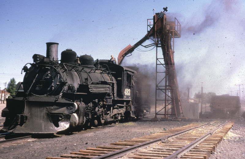 493 loading coal date& loc unk.jpg